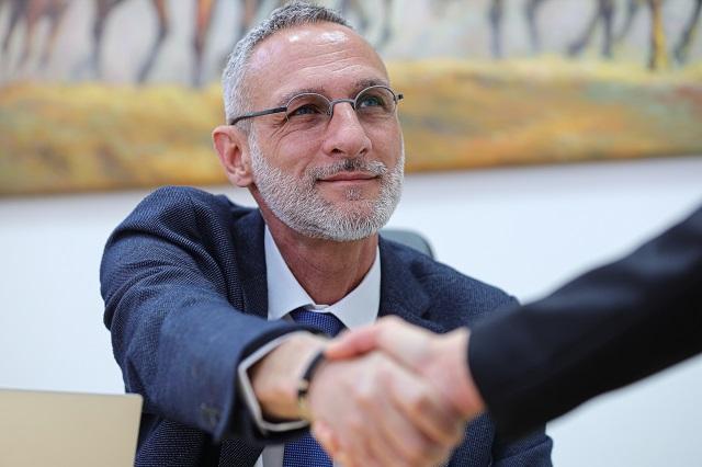 """עו""""ד עופר פרץ – עורך דין פשיטת רגל בחיפה"""